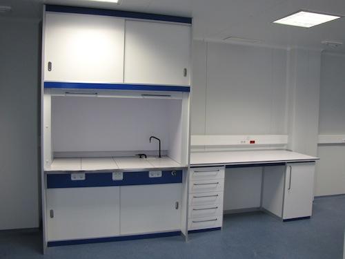 Taxonomy vitrina - Borda Laboratorios