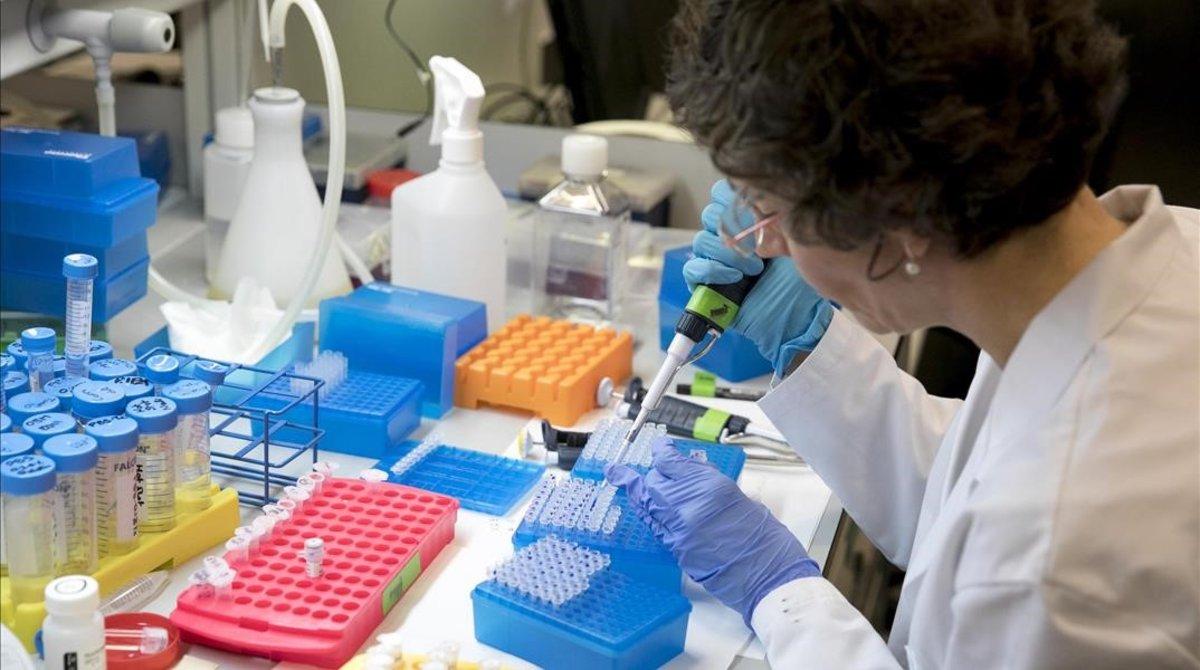 una-investigadora-parc-cientific-barcelona